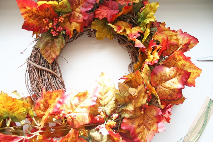 Венки из осенних листьев своими руками