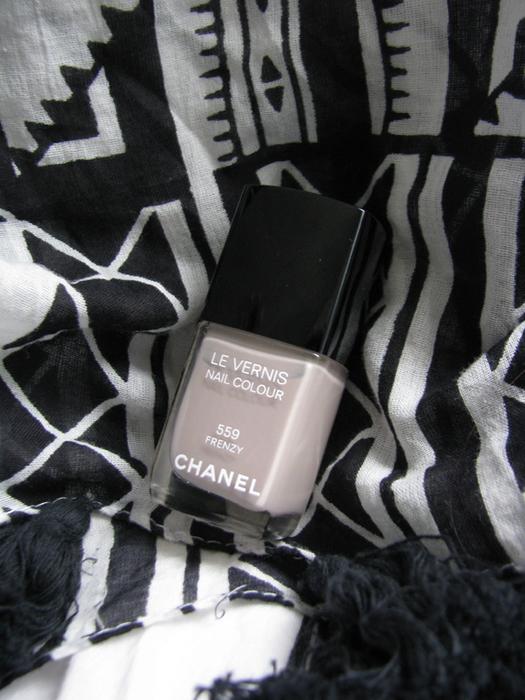 Chanel Le Vernis 559 Frenzy/3388503_Chanel_Le_Vernis_559_Frenzy (525x700, 291Kb)
