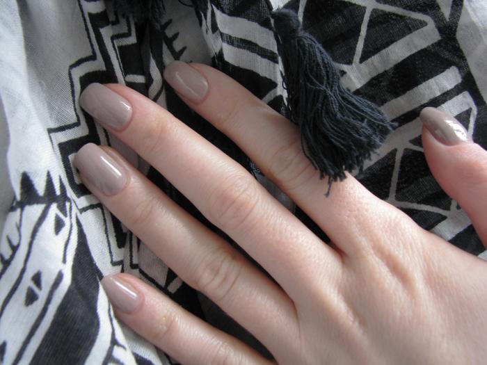 Chanel Le Vernis 559 Frenzy/3388503_Chanel_Le_Vernis_559_Frenzy_2 (700x525, 367Kb)