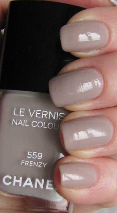 Chanel Le Vernis 559 Frenzy/3388503_Chanel_Le_Vernis_559_Frenzy_8 (386x700, 199Kb)