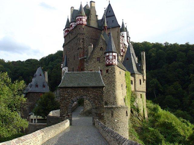640-eltz_castle (640x480, 75Kb)