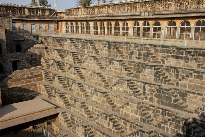 ступенчатый колодец Чанд Баори индия 4 (700x467, 120Kb)