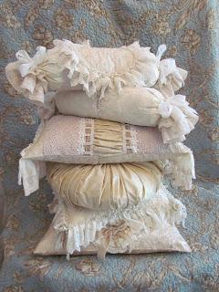 beige pillows 022 (240x320, 35Kb)