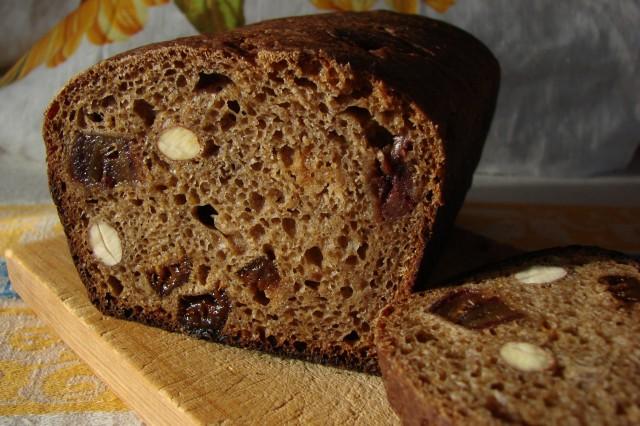 Ржаной заварной хлеб c черносливом, финиками и орехами/3414243_29924_640 (640x426, 94Kb)
