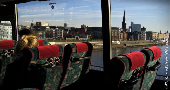 Обзорные автобусные экскурсии в Дюссельдорфе HopOn HopOff с аудиогидом на русском языке.