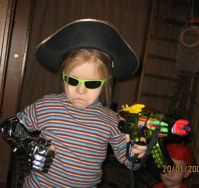 саша пират (700x662, 305Kb)