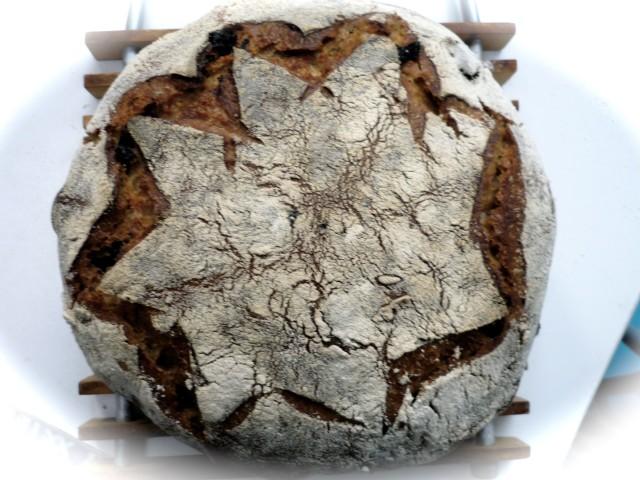 Ржаной хлеб с черникой и орехами на закваске - Sourdough Rye Blueberry Hazelnut Bread/3414243_19975_640 (640x480, 90Kb)