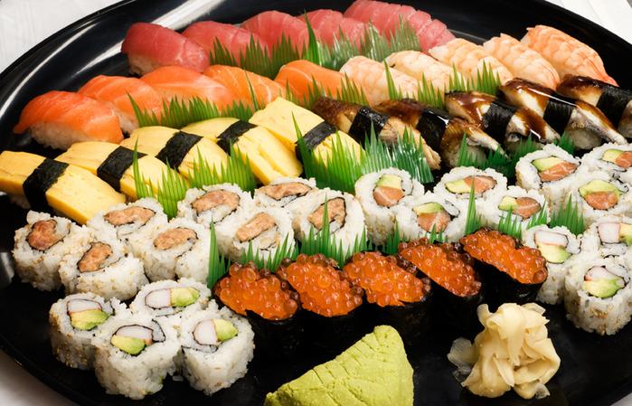 1349637223_sushi3 (2) (700x449, 169Kb)