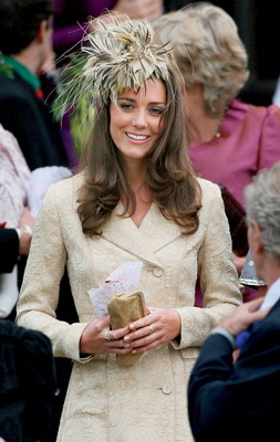 Kate-Middleton-Philip-Treacy-Hat-Designer (253x400, 59Kb)