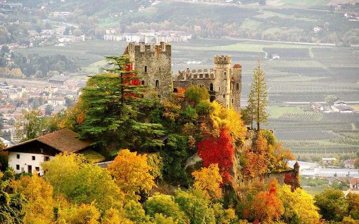 замок (700x437, 116Kb)