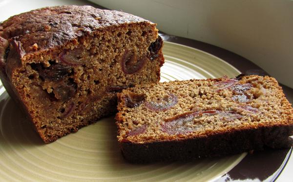 Солодовый хлеб с финиками и изюмом/3414243_Bread_dadels (600x373, 263Kb)