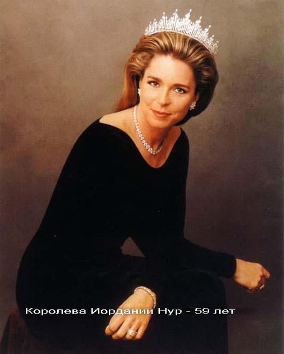 1276437065_beautiful-women-over-50-38 (561x700, 71Kb)