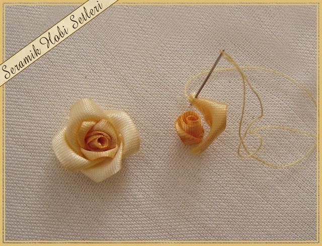 Розочки из атласных лент пошагово вышивать на ткани