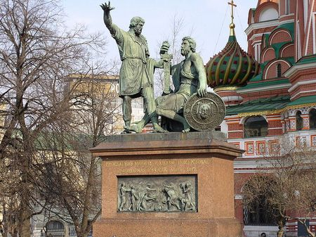 800px-Monument_to_Minin_and_Pozharsky (450x337, 54Kb)