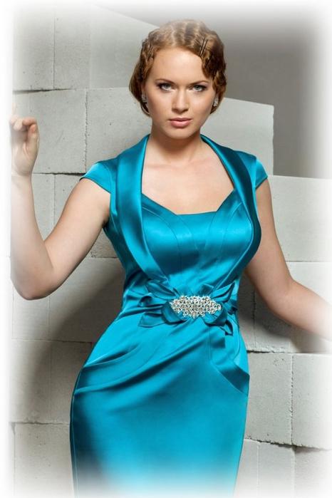 Красивые атласные платья