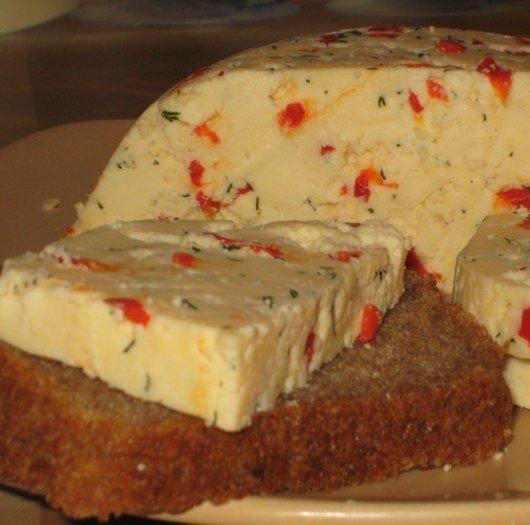 Домашний твердый сыр с перчиком и укропом (530x525, 43Kb)