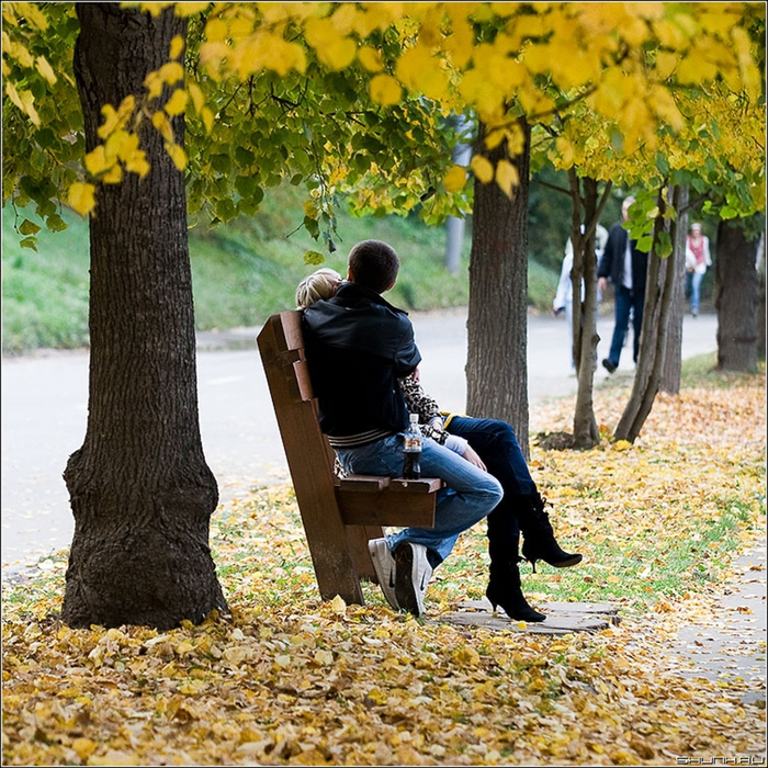 5062761_love_autumn_fall_011 (700x700, 482Kb)