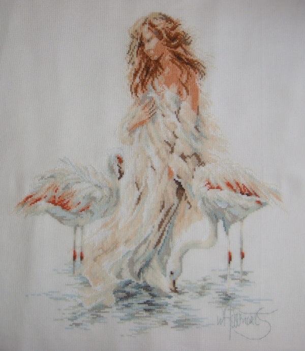 <девушка с фламинго(вышивка