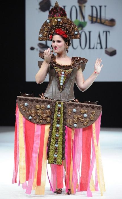 ярмарка шоколада в париже фото 6 (430x700, 220Kb)
