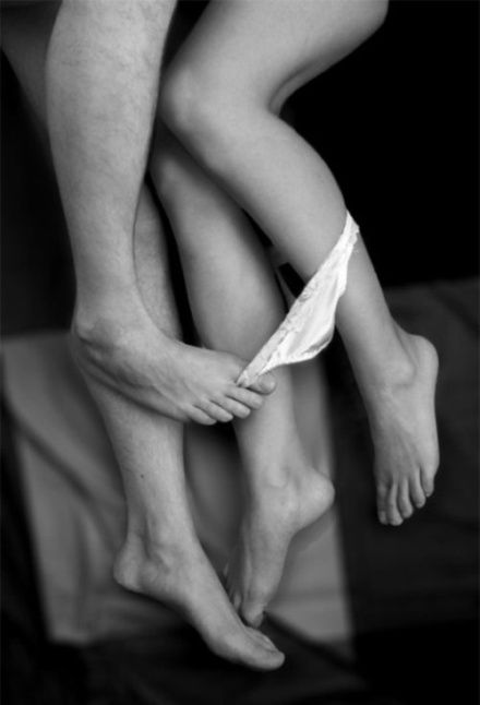 Я слышал, - мужчина тратит много сил и энергии (калории) при снятии носков