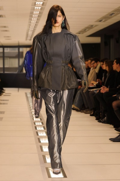 Balenciaga-RF12-0510_catwalk_slideshow (399x600, 51Kb)