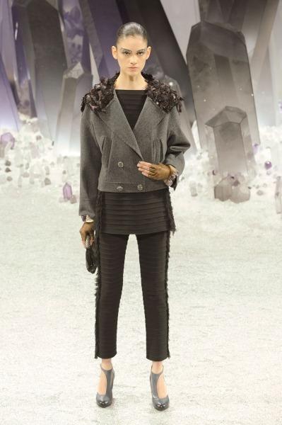 Chanel-RF12-0362_catwalk_slideshow (399x600, 60Kb)