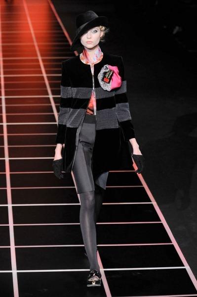 Giorgio-Armani-RF12-8807_catwalk_slideshow (399x600, 50Kb)
