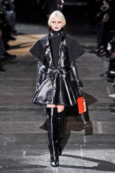 Givenchy-RF12-2659_catwalk_slideshow (399x600, 65Kb)