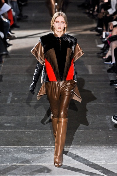 Givenchy-RF12-2907_catwalk_slideshow (399x600, 69Kb)