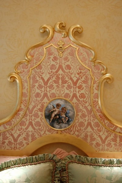 4497432_goldentrenddecoratingbedroomdetails3 (400x600, 74Kb)