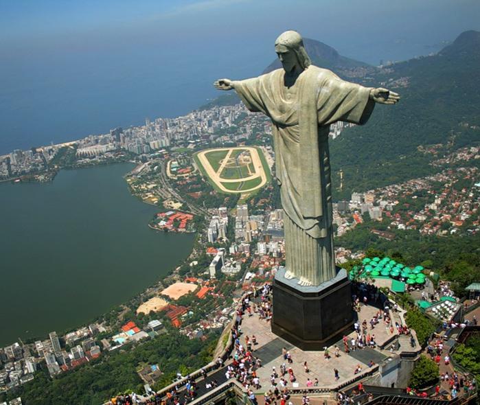 Где находятся статуя христа