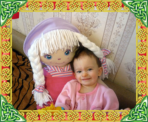 ��� ������������ ������� � �������� ����/1352442368_YUlya_s_kukloy_1_getImagesh (582x480, 131Kb)