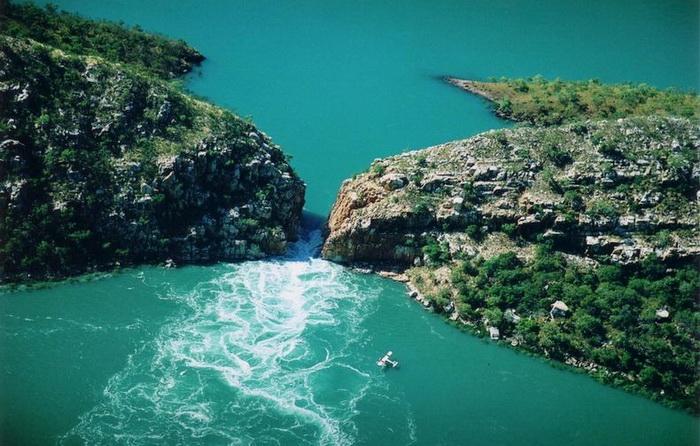 водопад2 (700x446, 147Kb)