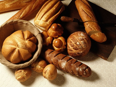 Запах свежего хлеба делает людей добрее (400x300, 62Kb)