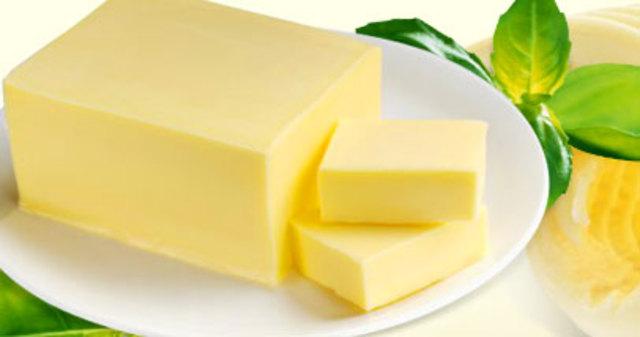 Масло сладкосливочное 72,5% жирности ГОСТ, монолит 20кг, производства России и Белоруссии.  Качество высшее.