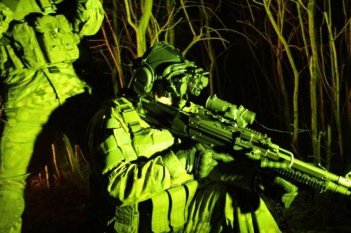 Ночное видение. Военные фотографии(700x466, 62Kb)