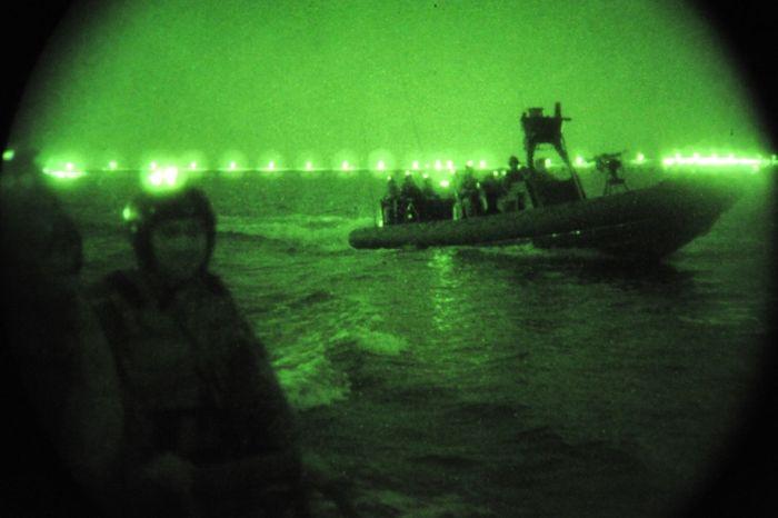 Ночное видение. Военные фотографии(700x466, 35Kb)