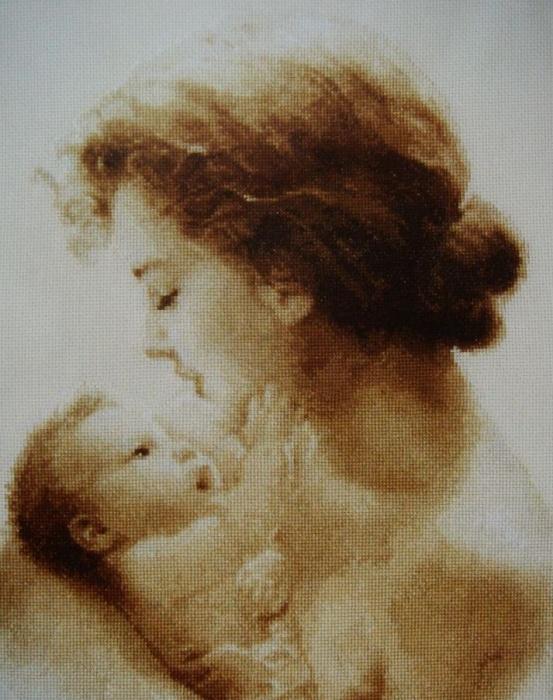 Продам готовую ручную вышивку - Чудо материнство. размер 42 х 32 см. в рамке под стеклом.  Цена 20000 руб.