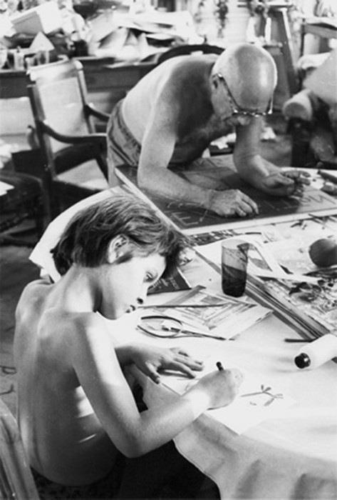 Пабло Пикассо с дочерью Паломой (473x700, 45Kb)