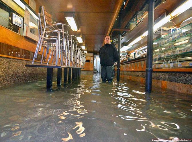 венеция под водой фото 4 (670x497, 111Kb)