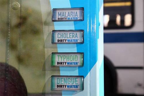 грязная вода благотворительная акция нью-йорк 1 (500x334, 52Kb)