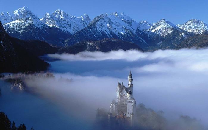 замок Нойшванштайн в Швангау, Германия- 2 фото (700x437, 68Kb)