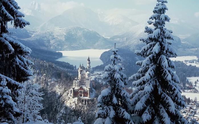 замок Нойшванштайн в Швангау, Германия- 1 фото (700x437, 120Kb)