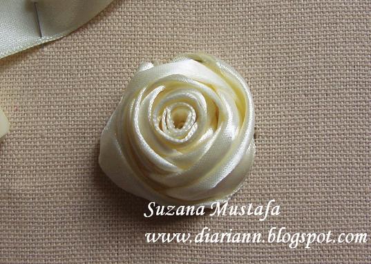 Роза из атласной ленты,мастер-класс/4683827_20121114_223011 (537x382, 230Kb)