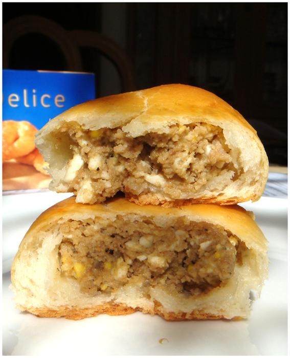 вкусные домашние дрожжевые пирожки с мясом и капустой