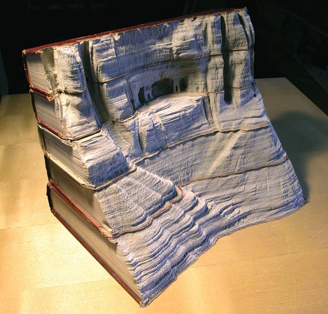 Гай Лареми. Невероятные пейзажи, вырезанные на книги