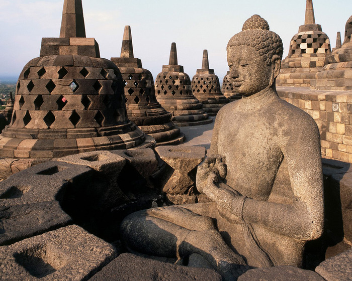 Borobudur-Temple-Wallpaper (700x560, 191Kb)