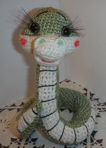 Змейка Марфуша крючком.