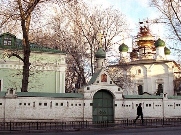1353012418_Sretenskiy_monastuyr__Moskva___404258 (611x458, 96Kb)
