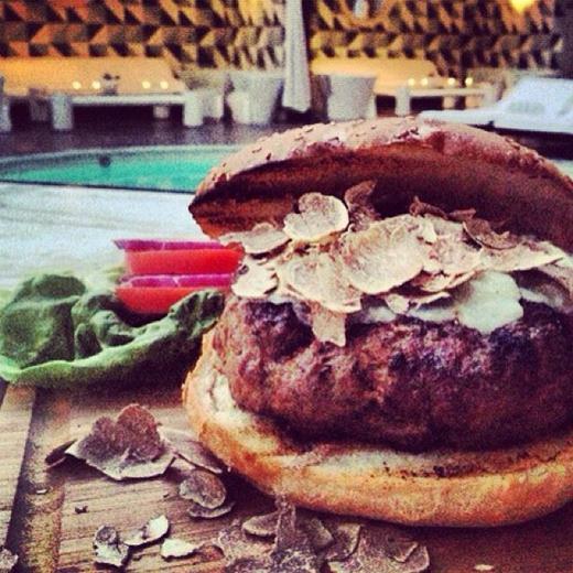 Самый дорогой гамбургер в мире стоит 500 долларов в ресторане Беверли-Хиллз. Фотографии